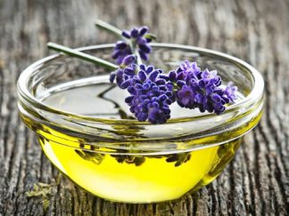 How to Use Lavender Oil for Hair Growth Stimulation (+ 4 Recipes)