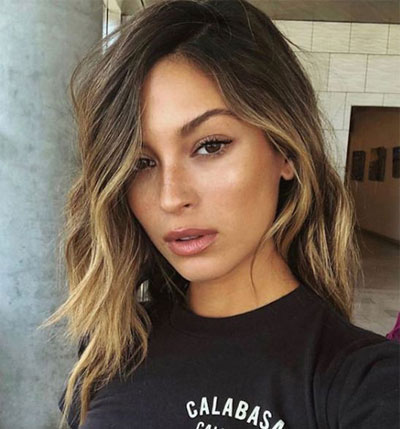50 Medium Shoulder Length Hairstyles for Women with Female Hair Loss Baldness on Crown of Head
